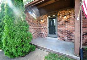206 Spring Oaks Ct, Ballwin, MO