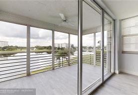 3095 N Course Dr 311, Pompano Beach, FL