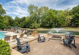 The Retreat at Walnut Creek, Kansas City, MO
