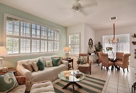 1440 Winding Oaks Cir W A203, Vero Beach, FL