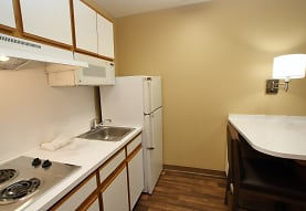 Furnished Studio - Atlanta - Perimeter - Hammond Drive, Atlanta, GA