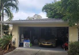 503 Suwanee Cir, Tampa, FL