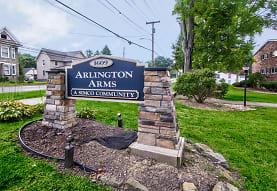 Arlington Arms, Niles, OH