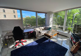 2400 N Lakeview Ave 303, Chicago, IL