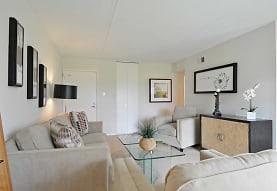 Cavalier Country Club Apartments, Newark, DE