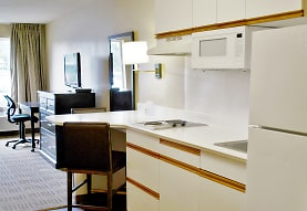 Furnished Studio - Kansas City - Country Club Plaza, Kansas City, MO