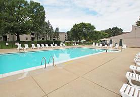 Pine Hill Apartments, Howell, MI