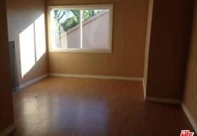 2213 Glendon Ave BACK, Los Angeles, CA