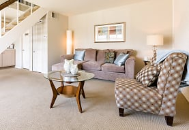 Pepperwood Apartments And Townhomes, Mayfield Heights, OH