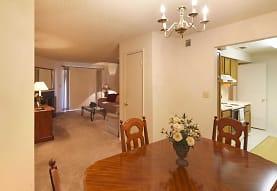 Royal Hills Apartments, Tuscaloosa, AL