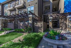 Easton Apartments, Dallas, TX
