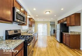 509 Surrey Ridge Dr, Cary, IL