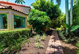 301 Brazilian Ave, Palm Beach, FL