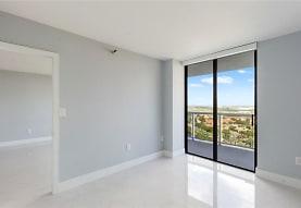 Ocean View+  20505 E Country Club Dr, Aventura, FL