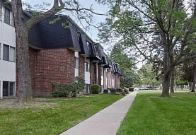 Parkway Village Apartments, Clinton Township, MI
