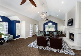 Winwood Apartments, Johnston, IA
