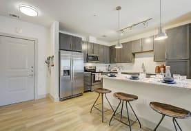 Wellington Townhomes Apartments - Richardson, TX 75080