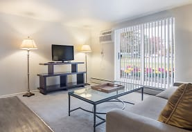 Colony Club Apartments And Townhomes, Bedford, OH