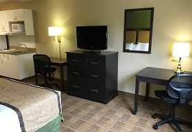 Furnished Studio - Detroit - Farmington Hills, Farmington Hills, MI