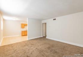 2500 Avenue E 6B, Hondo, TX