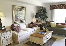 Green Hill Apartments, Farmington Hills, MI