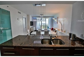 15811 Collins Ave 2302, North Miami Beach, FL