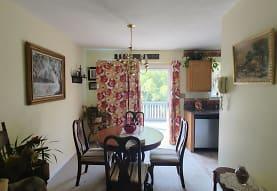 289 Farm View Rd, Front Royal, VA