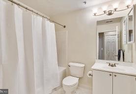 44082 Natalie Terrace 102, Ashburn, VA