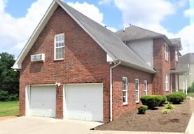 1301 Latta Circle, Lebanon, TN