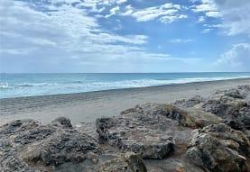 67 N Beach Rd, Hobe Sound, FL