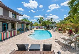250 NE 158th St, Miami, FL