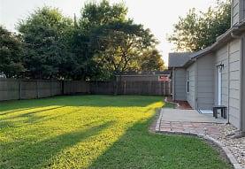 121 Lemley Dr, Heath, TX