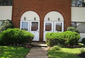 143 Grove Ave, Cedarhurst, NY