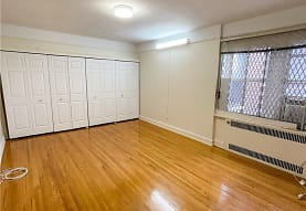 61-41 Saunders St A67, Queens, NY