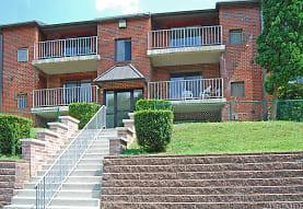 Bridgewater Apartments, Brookhaven, PA