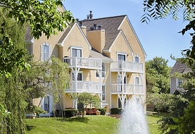 Hunter's Pointe Apartments &Townhomes, Overland Park, KS