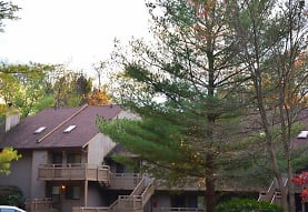 Pine Mill Ridge Apartments, Cuyahoga Falls, OH