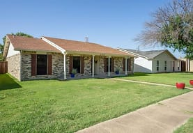 4704 Roberts Dr, The Colony, TX