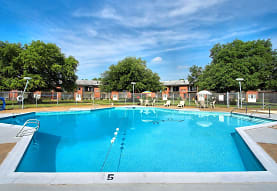 Country Club Apartments, Hampton, VA