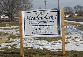 2470 Lakeside Dr, Iowa City, IA