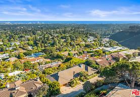 1658 San Onofre Dr, Los Angeles, CA