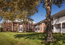Crestview Apartments, Parlin, NJ