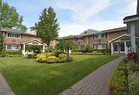 Fairfield Sunrise Gardens Apartments - Bohemia, NY 11716