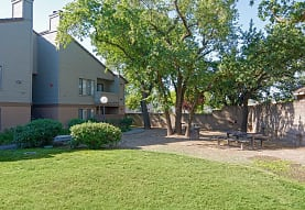 Heritage Oaks Apartments, Carmichael, CA