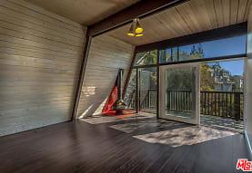 7912 Willow Glen Rd, Los Angeles, CA