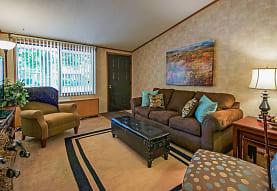 Oakwood Park Apartments, Ypsilanti, MI