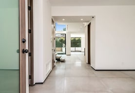 200 N Doheny Dr, Beverly Hills, CA