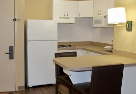 Furnished Studio - Chicago - Naperville - East, Naperville, IL