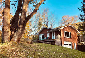 452 Cold Brook Rd, Bearsville, NY