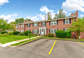 Williamsburg & Portage Pointe Apartments, Wooster, OH